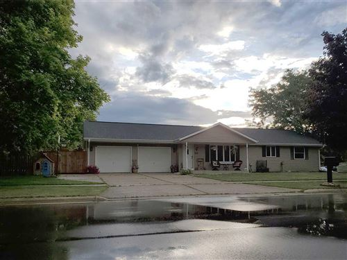 Photo of 2336 S Chatham St, Janesville, WI 53546 (MLS # 1886613)