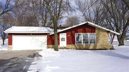 Photo of 17710 Spring St, Union Grove, WI 53182 (MLS # 1723615)