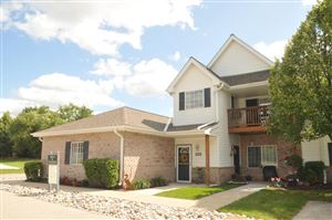Photo of 14937 W Arrowhead Ln, New Berlin, WI 53151 (MLS # 1656616)