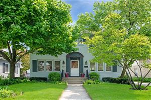 Photo of 4424 N Maryland Ave, Shorewood, WI 53211 (MLS # 1638617)