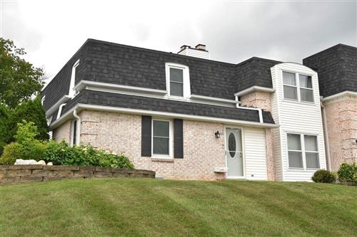 Photo of 2061 Chateau Ct, Grafton, WI 53024 (MLS # 1752632)