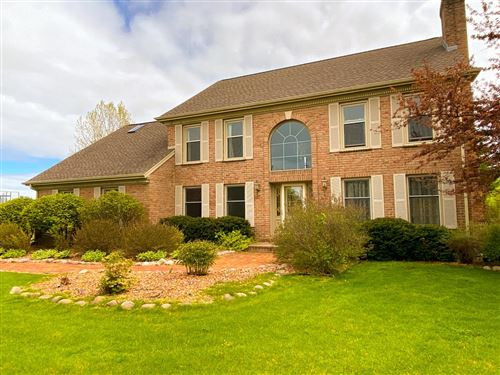 Photo of 7827 W Rolling Field Dr, Mequon, WI 53097 (MLS # 1680634)