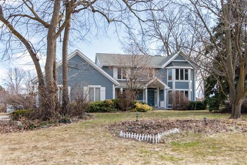 Photo of 4540 S Sommerset Dr, New Berlin, WI 53151 (MLS # 1682634)