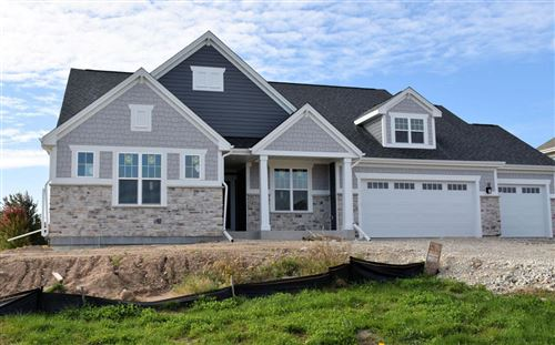 Photo of 6306 Stonehedge Ct, Waterford, WI 53185 (MLS # 1667636)