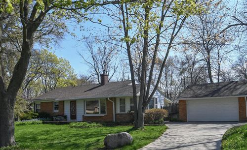 Photo of 7632 N Bell Rd, Fox Point, WI 53217 (MLS # 1638637)