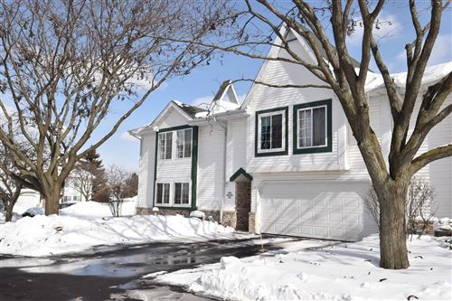 Photo of N74W23475 Water Tower Ct #E3, Sussex, WI 53089 (MLS # 1727638)