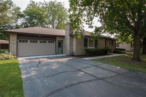 Photo of 35819 90th Pl, Twin Lakes, WI 53181 (MLS # 1753640)