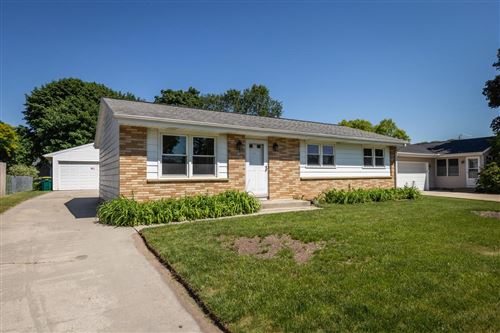 Photo of 519 Victoria st, West Bend, WI 53090 (MLS # 1694642)