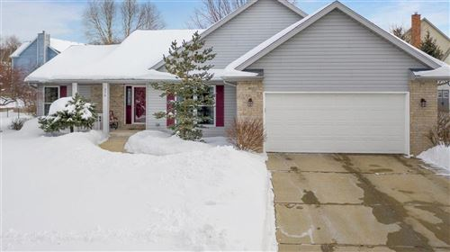 Photo of 376 Indian Bend Rd, Burlington, WI 53105 (MLS # 1727642)
