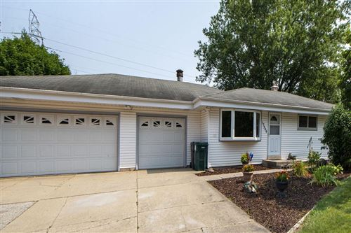 Photo of 17546 W Rogers Dr, New Berlin, WI 53146 (MLS # 1753642)