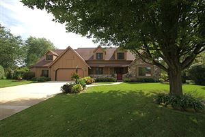 Photo of 4620 S Caldwell Ct, New Berlin, WI 53151 (MLS # 1658643)