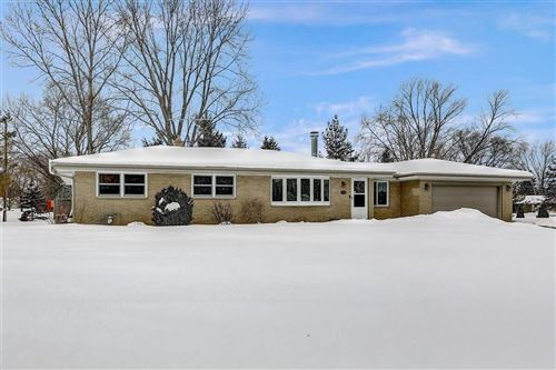 Photo of 2967 S 126th St, New Berlin, WI 53151 (MLS # 1727648)
