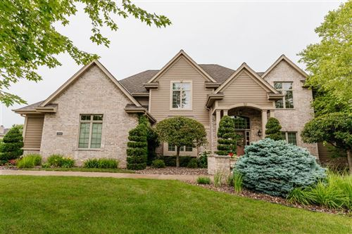 Photo of 2005 Carriage Hills Dr, Delafield, WI 53018 (MLS # 1749649)