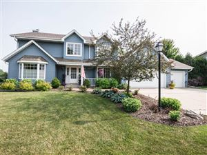 Photo of 8731 Lake Pointe DR, Franklin, WI 53132 (MLS # 1647650)