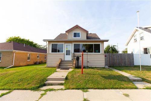 Photo of 1430 Menomonee Ave, South Milwaukee, WI 53172 (MLS # 1752650)
