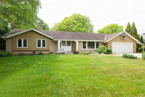 Photo of 1103 W Montclaire Ave, Glendale, WI 53217 (MLS # 1695651)