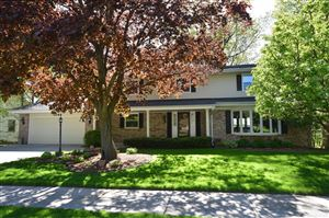 Photo of 1044 Timberline Dr, West Bend, WI 53095 (MLS # 1638653)
