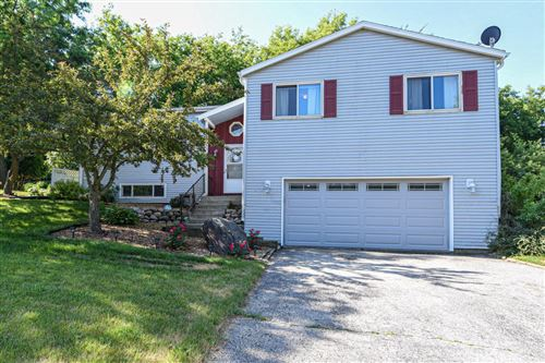 Photo of 617 Lewis St, Burlington, WI 53105 (MLS # 1696655)
