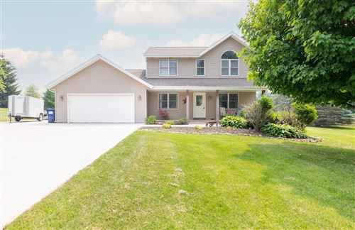 Photo of 6116 Anne Marie Ct, West Bend, WI 53095 (MLS # 1753655)