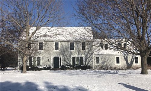 Photo of 165 Hickory Dr, Delafield, WI 53018 (MLS # 1672657)