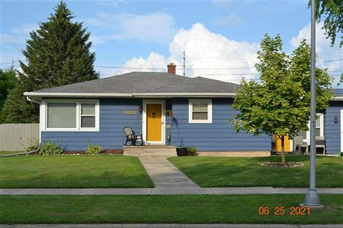 Photo of 1011 Lawndale Dr, Beaver Dam, WI 53916 (MLS # 1913658)