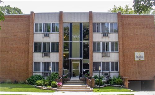 Photo of 825 E Henry Clay St #103, Whitefish Bay, WI 53217 (MLS # 1752660)