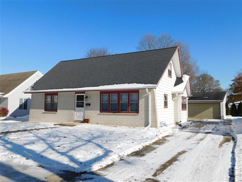 Photo of W67N426 Grant Ave, Cedarburg, WI 53012 (MLS # 1667661)