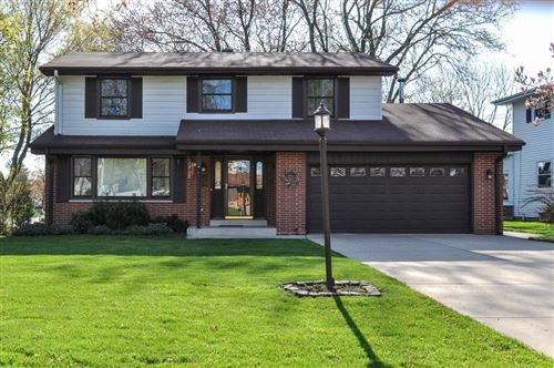 Photo of 2901 17th Ave, South Milwaukee, WI 53172 (MLS # 1656664)