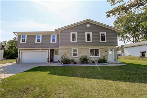 Photo of 1429 S 167th St, New Berlin, WI 53151 (MLS # 1692664)