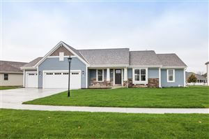 Photo of 2809 Lakeview Dr, East Troy, WI 53120 (MLS # 1641665)