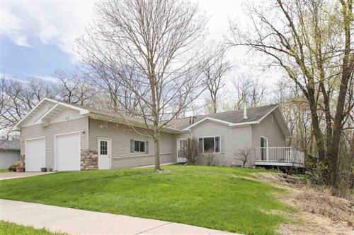 Photo of 654 Riverview Ct, Jefferson, WI 53549 (MLS # 1882666)