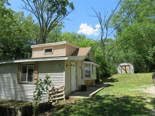 Photo of 828 Hickory Rd, Twin Lakes, WI 53181 (MLS # 1695667)