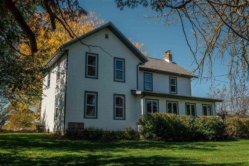 Photo of N6483 Sunset Rd, Juneau, WI 53039 (MLS # 1892667)