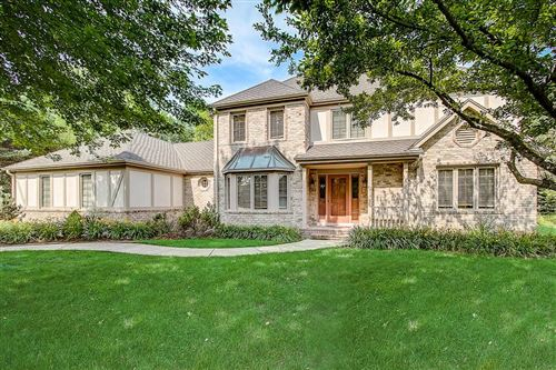 Photo of 3134 W Woodfield Dr, Mequon, WI 53092 (MLS # 1671668)