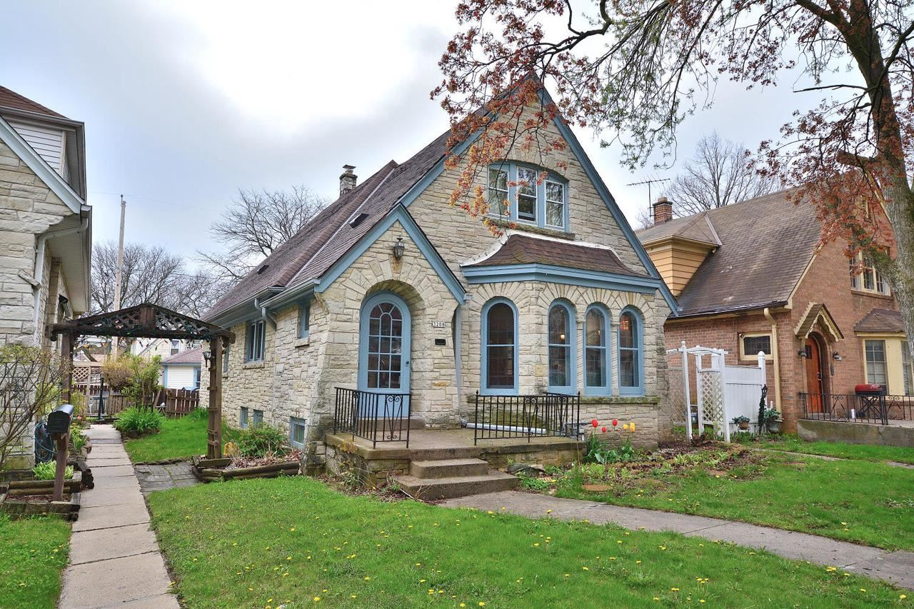 3208 N 53rd St, Milwaukee, WI 53216 - MLS#: 1694669