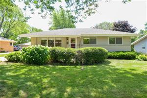 Photo of 6427 Manchester Dr, Greendale, WI 53129 (MLS # 1647670)