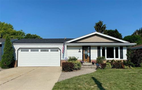 Photo of 3116 15th Ave, South Milwaukee, WI 53172 (MLS # 1750670)