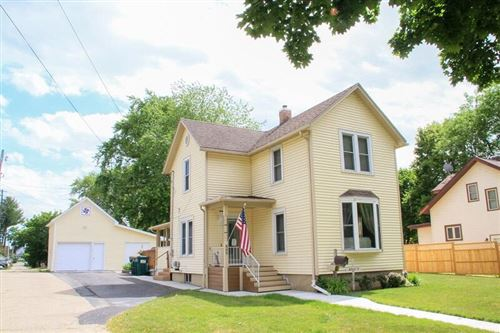 Photo of 609 Barrie St, Fort Atkinson, WI 53538 (MLS # 1748671)