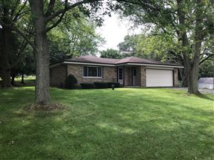 Photo of S31W26223 Sunset Dr, Waukesha, WI 53189 (MLS # 1658676)