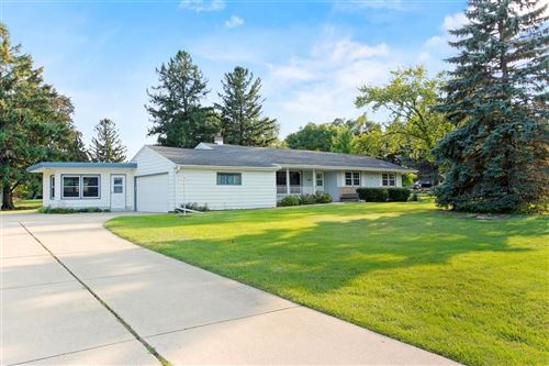 Photo of 13315 W Lincoln Rd, New Berlin, WI 53151 (MLS # 1708680)
