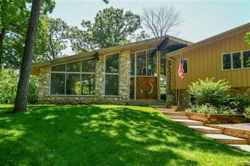 Photo of W279N7654 Center Oak Rd, Hartland, WI 53029 (MLS # 1748683)