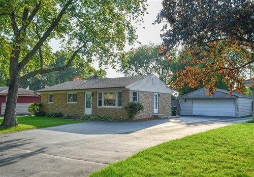 Photo of 2721 Arrowhead St, Racine, WI 53402 (MLS # 1711684)
