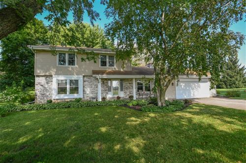 Photo of N6213 Country View Ln, Sullivan, WI 53178 (MLS # 1688685)
