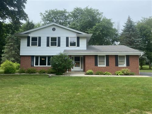 Photo of W236S5513 Maple Hill Dr, Waukesha, WI 53189 (MLS # 1752685)