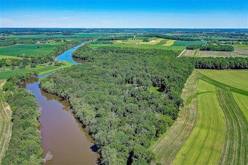 Photo of W6681 N Wollin Rd, Johnson Creek, WI 53038 (MLS # 1676688)