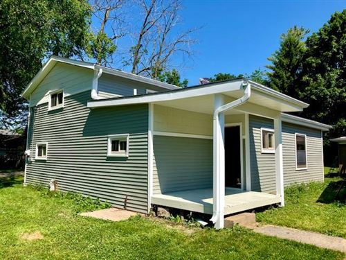 Photo of S70W18842 Gold Dr, Muskego, WI 53150 (MLS # 1714695)