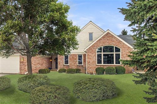 Photo of 2643 W Lake Park Ct, Mequon, WI 53092 (MLS # 1674697)