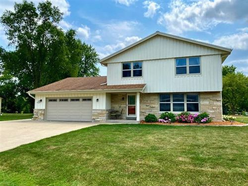 Photo of S77W17573 St Leonards Dr, Muskego, WI 53150 (MLS # 1753698)