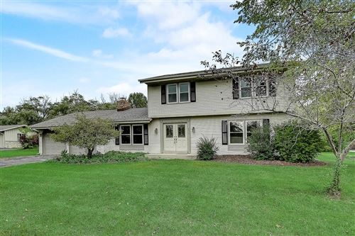 Photo of 8810 N Rexleigh Dr, Bayside, WI 53217 (MLS # 1660701)