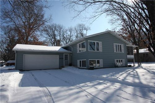 Photo of W77N785 HARVEST LN, CEDARBURG, WI 53012 (MLS # 1550702)